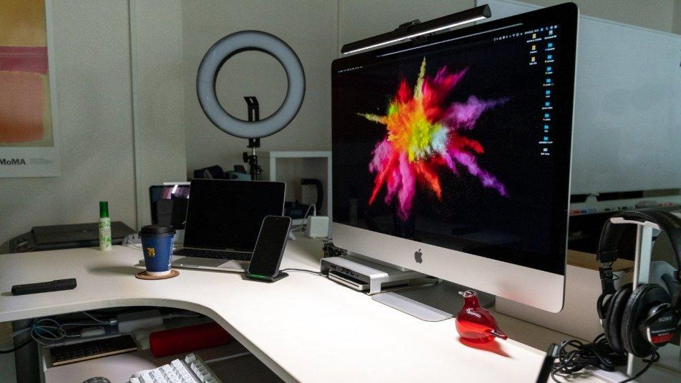 iMacの上部に取り付けられるライト